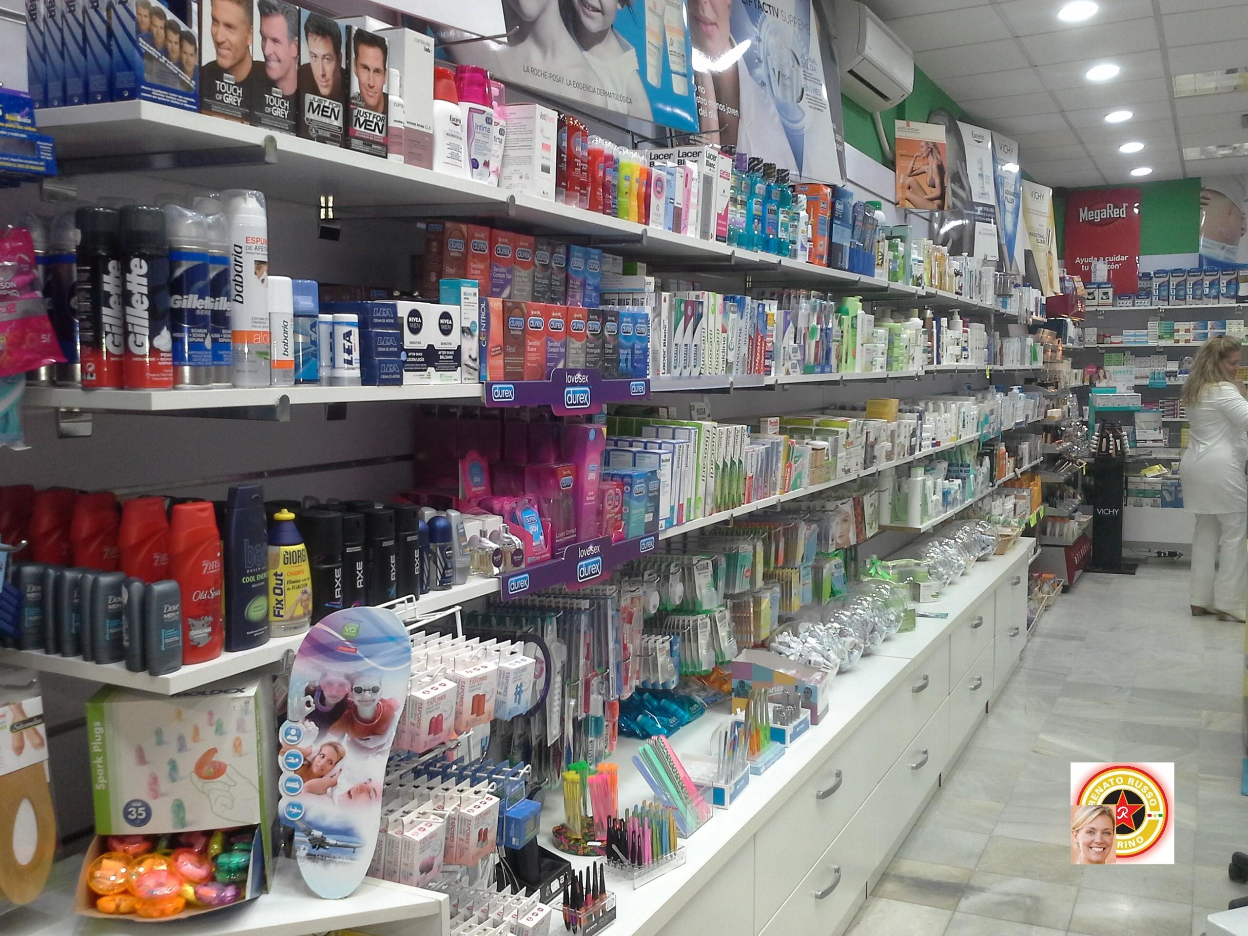 produzione arredamenti per negozi compra in fabbrica